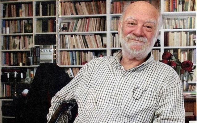 Ο Δημήτρης Νόλλας. Βραβείο Διηγήματος-Νουβέλας πηγή φωτογρ. Ναυτεμπορική