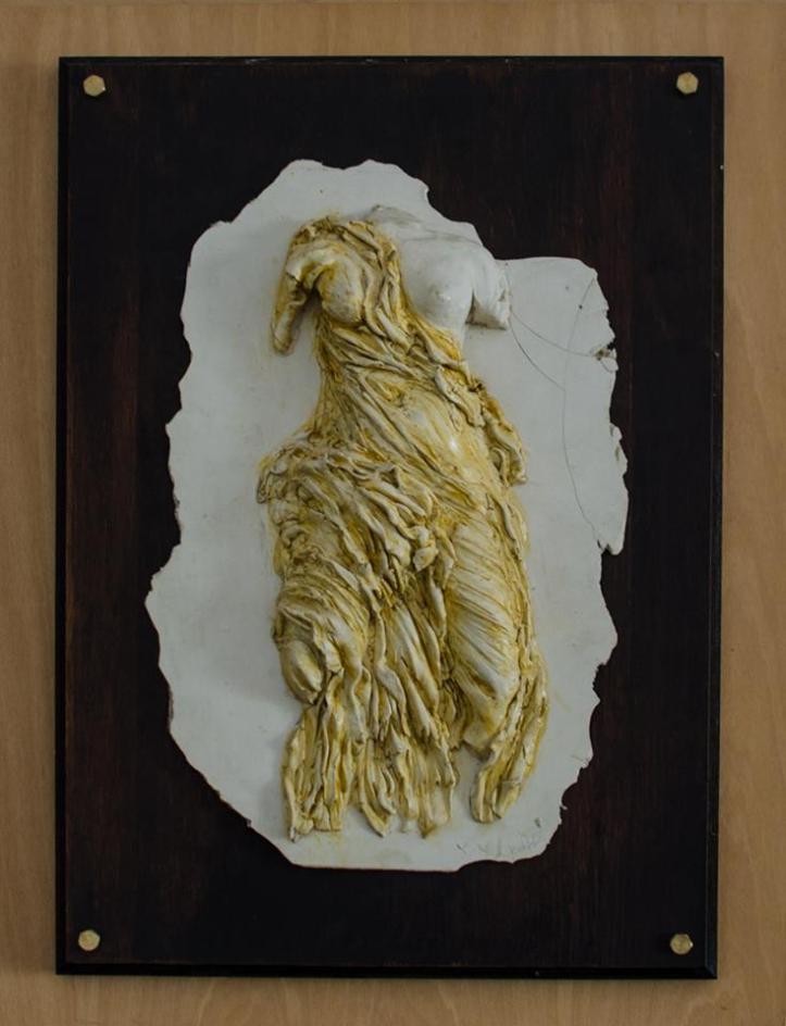 Από τη σειρά γλυπτικής των έργων της εικαστικού Χριστίνας Μυτιληναίου Ιακωβίδου. Ανάγλυφο ( Σπουδή από την αρχαιότητα )
