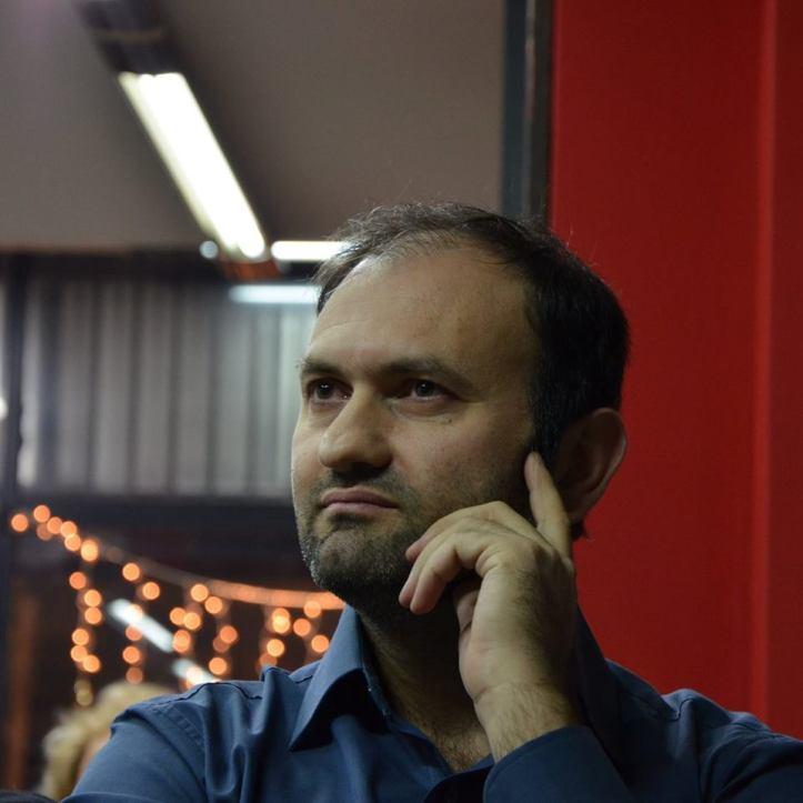 O Δρ. Χημικός Μηχανικός - Συγγραφέας  Ηλίας Κοπανάκης μιλά για την ποίηση σε συνέντευξή του στη ψυχολόγο Τατιάννα Τουζλούκωφ