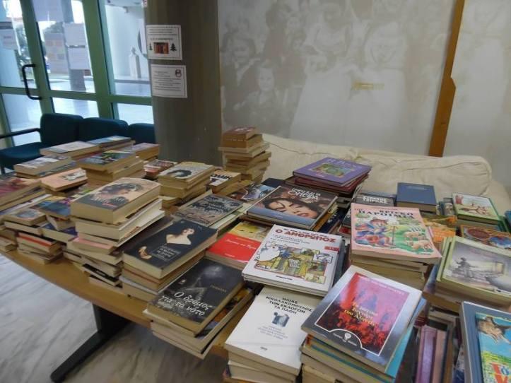 Χαριστικό παζάρι βιβλίου Δημοτικής Βιβλιοθήκης Καλυβίων, για το Κοινωνικό Παντοπωλείο του Δήμου Σαρωνικού